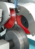 Doppia testa di molatura per affilatura simultanea senza bava del bisello bilaterale<br>Twin head for grinding both bevels at once, for burr free finishing
